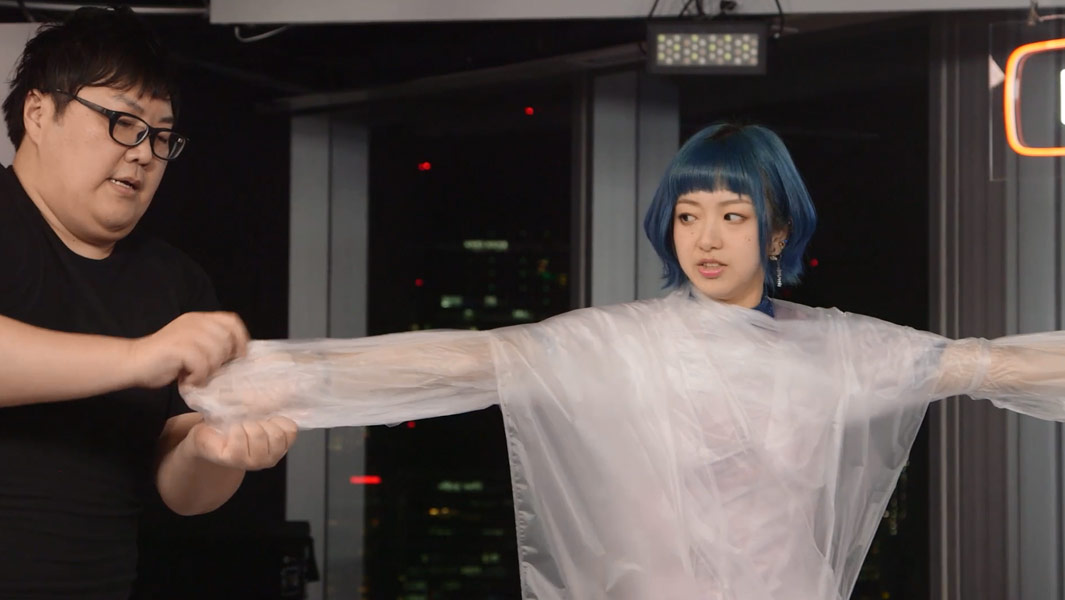 Japanese YouTuber wraps person in cling film at blistering speed to set GWR Day record