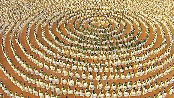 Video: Watch mesmerising largest Kaikottikali dance record attempt in India