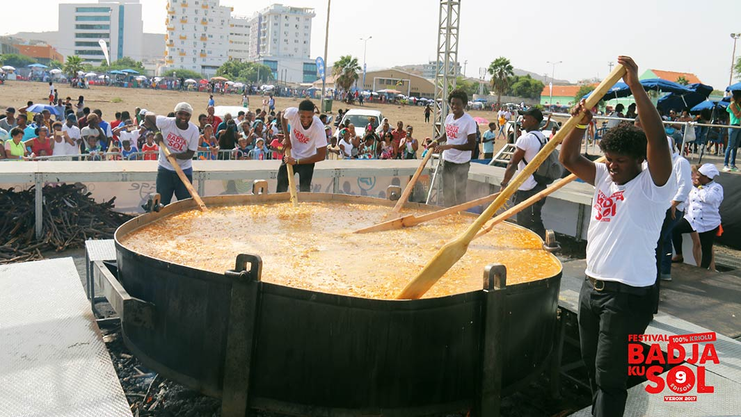 World's largest cachupa stew made in Cape Verde