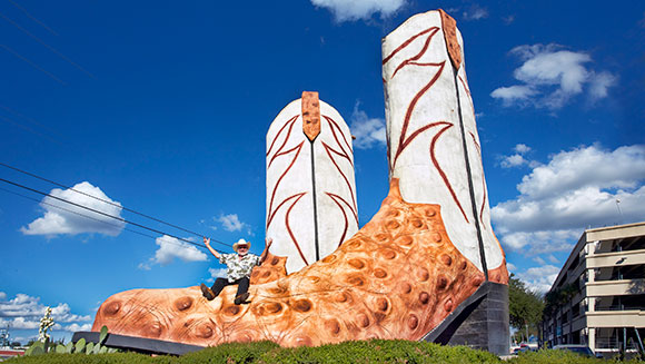 Record Holder Profile Video: Bob Wade and the largest cowboy boot sculpture