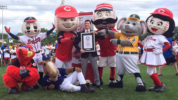 MLB and Cincinnati Reds play catch with thousands of fans and score world record title