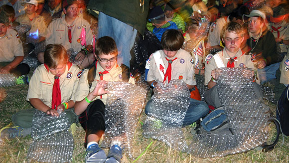 Thousands of Boy Scouts explode record for most people popping bubble wrap