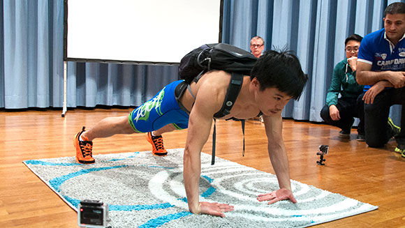 Video: Watch German man shatter extreme push-ups world record
