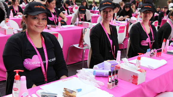 Australian manicurists nail world record