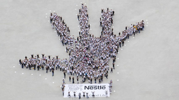 Nestle Puerto Rico Creates Largest Human Image of a Hand