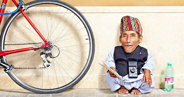 shortest-man-ever-with-bicycle