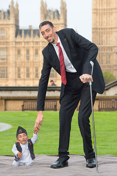 shortest-man-ever-with-sultan