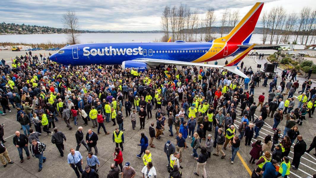 Boeing celebrates its 10,000th 737 aircraft with a new record