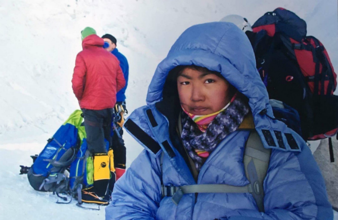 Youngest female to summit Everest 5