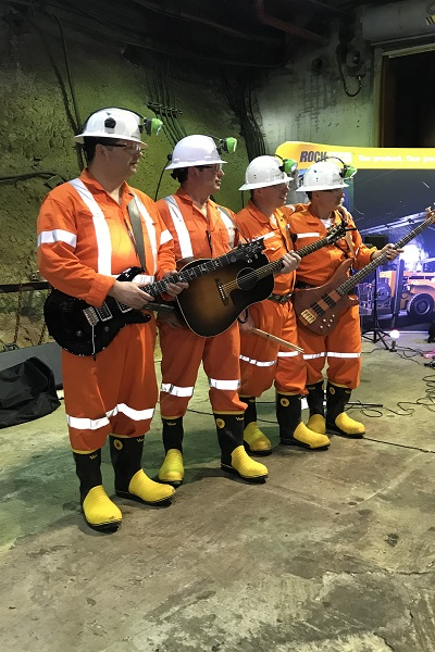 Shaft Bottom Boys with instruments