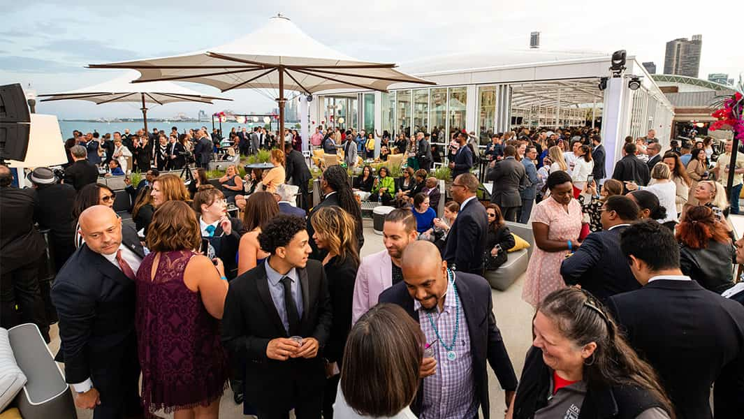 World's largest rooftop bar opens in Chicago