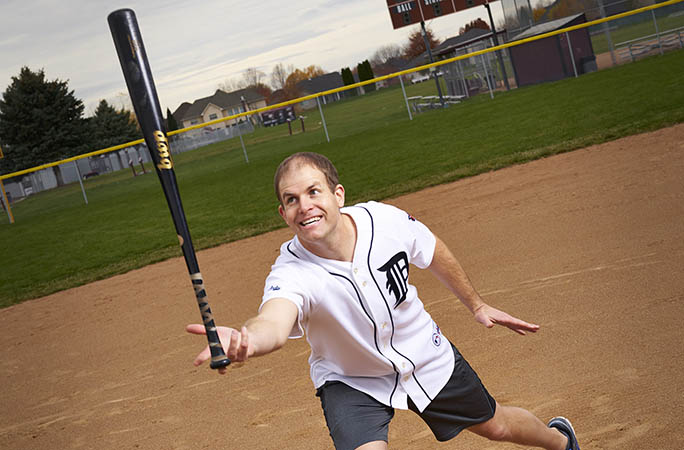 David-Rush-Fastest-mile-balancing-a-baseball-bat-on-one-finger.jpg