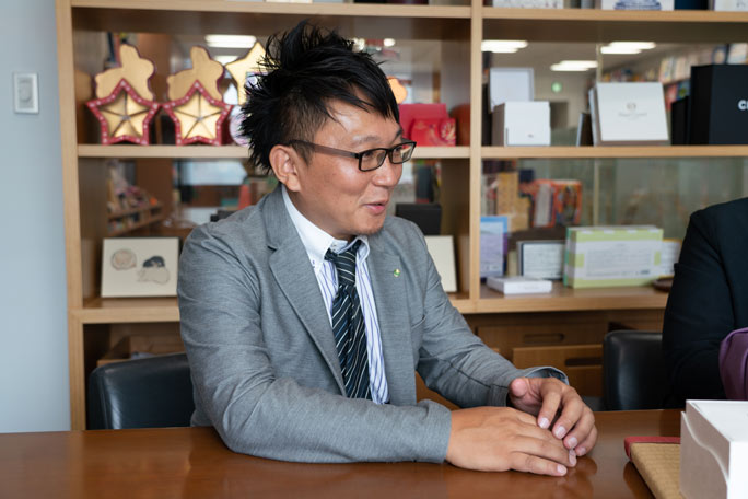 Keiji Togashi, a promotion marketer at Daishowa Paper Products