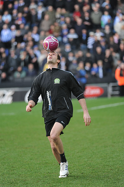 Chronicles of a Record Breaker: Freestyle footballer takes ...