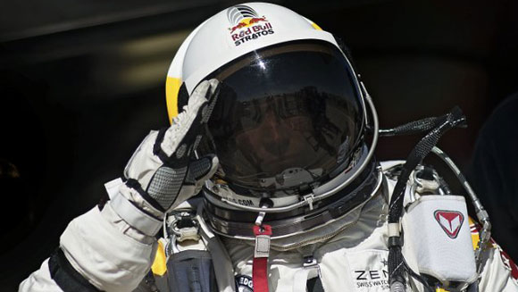 Felix Baumgartner successfully completes freefall sky dive from space