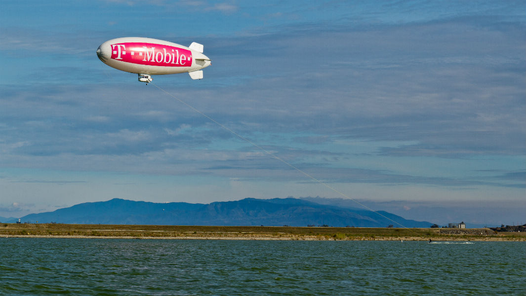 Water skier sets speedy texting record as T-Mobile shows off latest phone to join its network