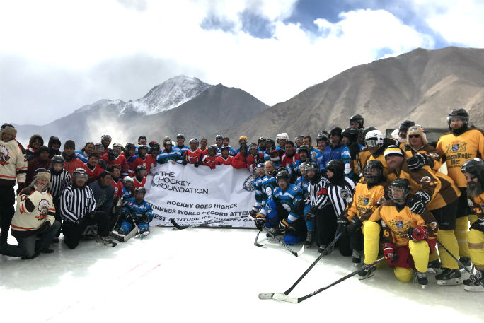 Highest altitude game of ice hockey 5