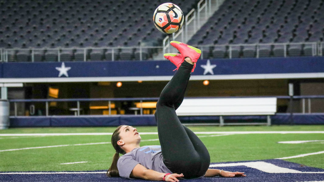 Indi Cowie sets two new freestyle football records with her sublime skills