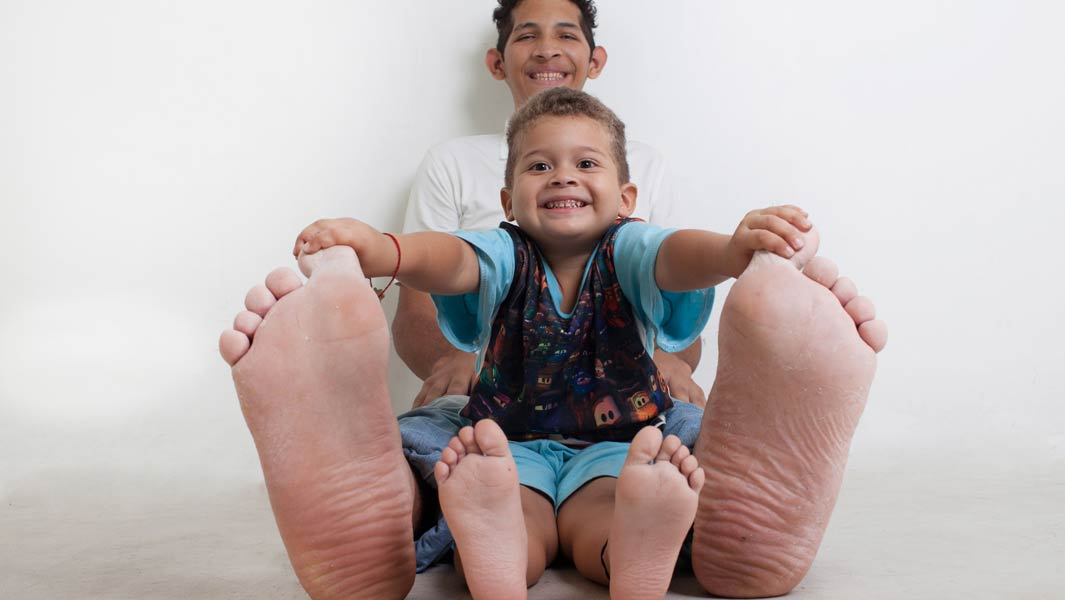 Man with the largest feet talks about his dream as he stars on TV show of record breaking