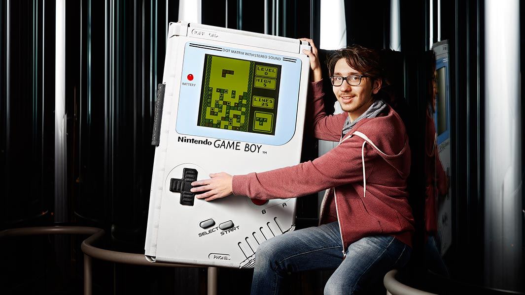 TECH NOSTALGIA GETS SUPER-SIZED AS THE NEW GUINNESS WORLD RECORDS: GAMER'S EDITION REVEALS THE WORLD'S LARGEST GAMEBOY