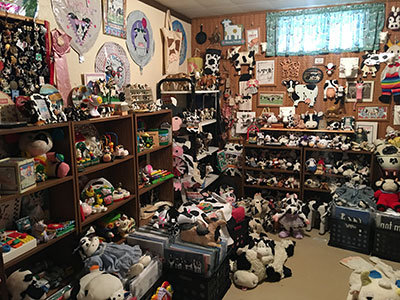 Largest collection of cow-related items