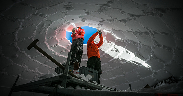 Largest-dome-igloo-made-of-snow-construction