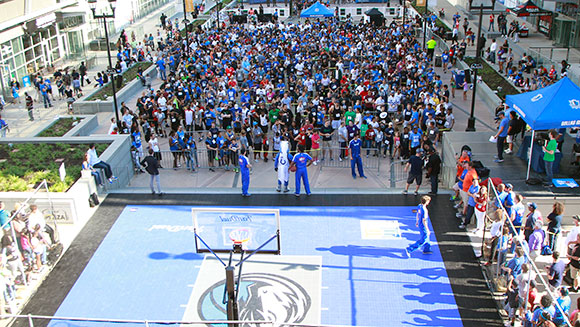 the latest a858a 1d14e Hundreds of Dallas Mavericks fans play giant game of ...