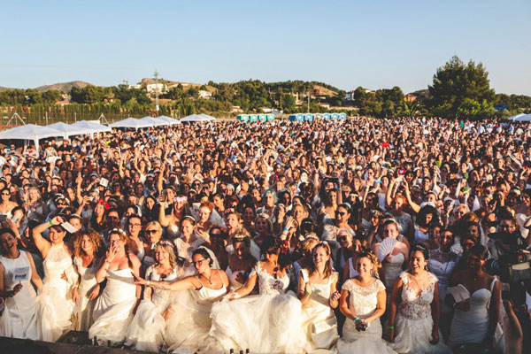 Largest-gathering-of-people-dressed-as-brides-mass