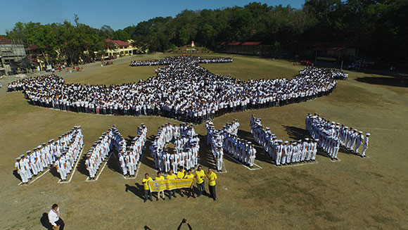Largest human image of an anchor Ankla Philippines