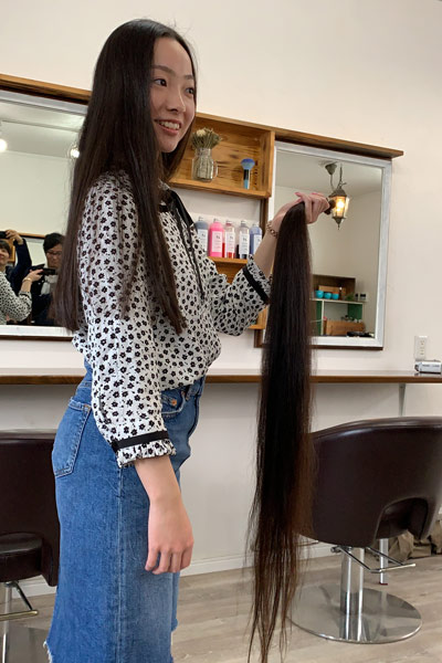 Woman Who Held Longest Hair Record Has Her First Ever Haircut Guinness World Records