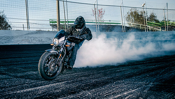 American rides new Victory bike to set longest motorcycle burnout record