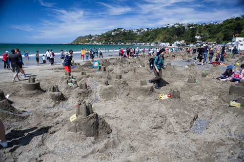 Most sandcastles built in one hour.jpg