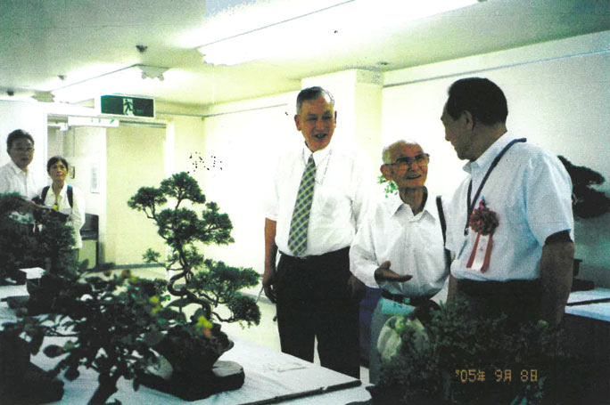 At Joetsu City Senior Exhibition (2005) with the mayor of Joetsu City and the chair of the Elderly Association
