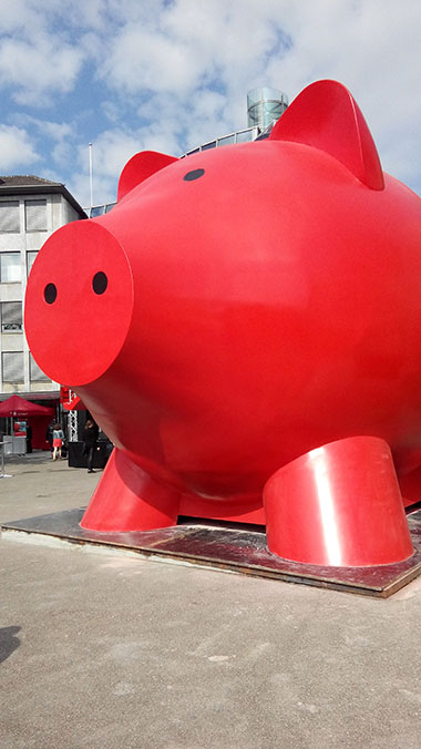 Largest Piggy bank 2