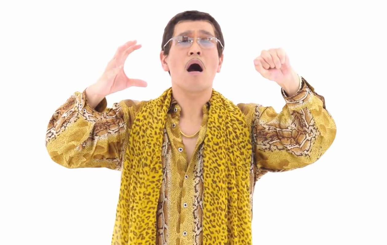 Video: Pikotaro performs Pen-Pineapple-Apple-Pen at certificate ceremony as song sets Billboard chart record