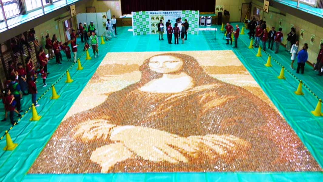 Huge replica of Mona Lisa sets new record – and it's made entirely from rice crackers