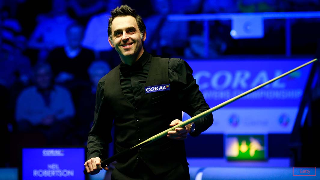 Ronnie O'Sullivan has become the first snooker player to reach 1000 competitive century breaks