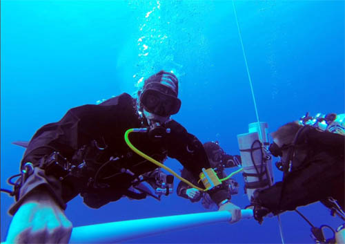 Ahmed Gabr breaks record for deepest SCUBA dive at more than 1,000