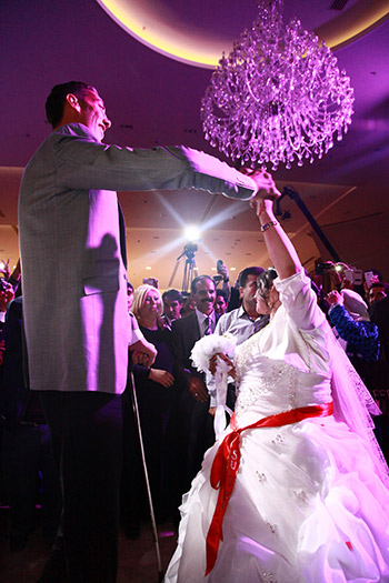 Sultan-Kosen-wedding-First-Dance.jpg