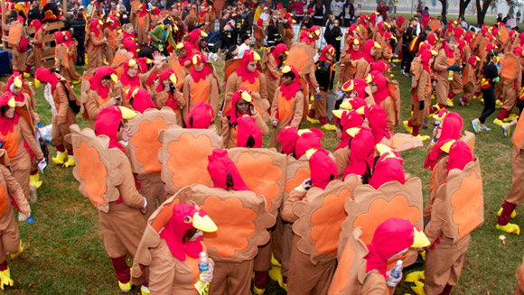 Top 10 Thanksgiving records: From super-fast turkey pluckers to massive pumpkin pies