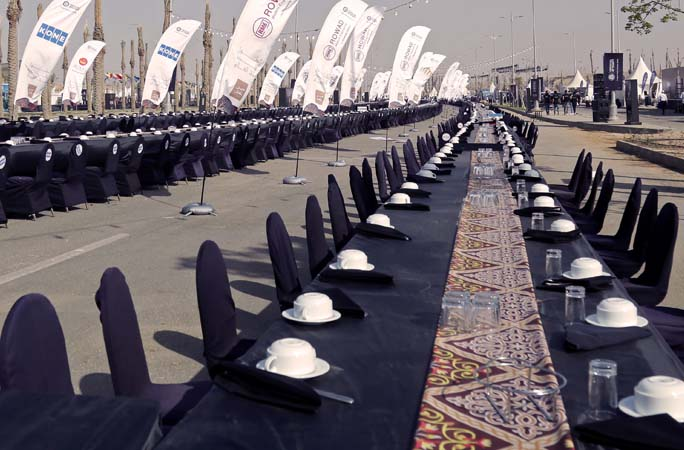 The longest table in the world prepared for iftar