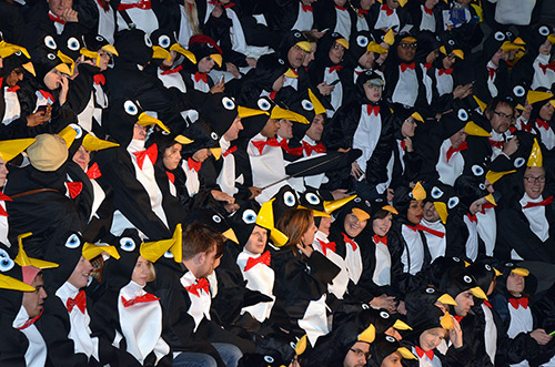 UK_The-largest-gathering-of-people-dressed-as-penguins.jpg