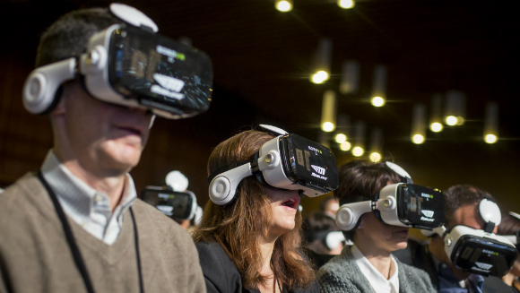 Most people using virtual reality displays5