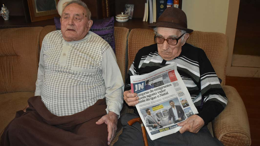 Oldest brothers with combined age of 216 set new record for living siblings