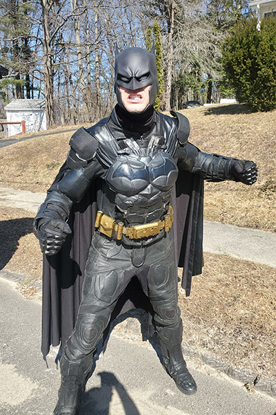 Cosplayer Creates Record Breaking Batman Costume With 30 Working Gadgets Guinness World Records