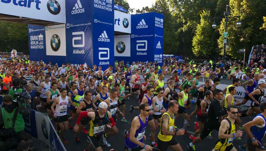 Sign up to break a Guinness World Records title at the BMW Berlin Marathon!