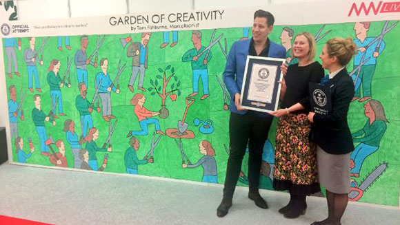 Marketing Week Live 2017 guests achieve artistic Guinness World Records title