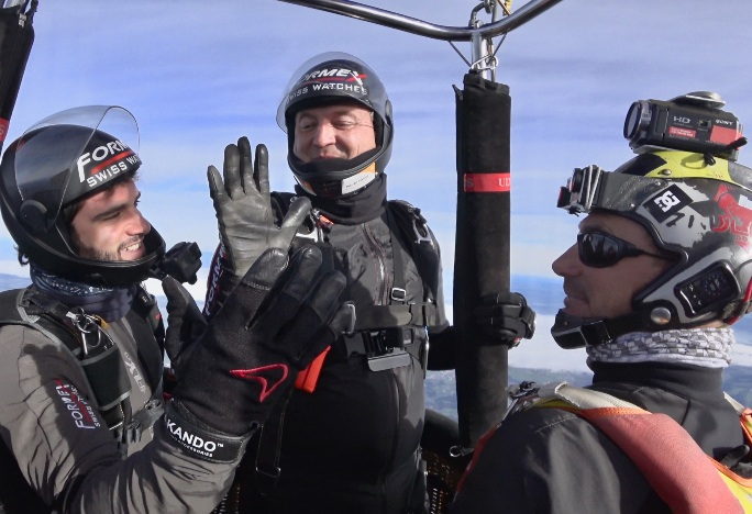 first-skydive-into-the-jet-stream-team