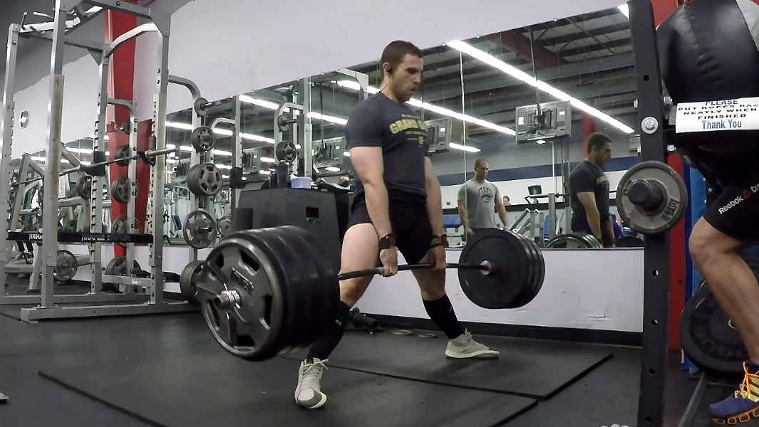 Video: American athlete powerlifts more than 10,000 kg in 60