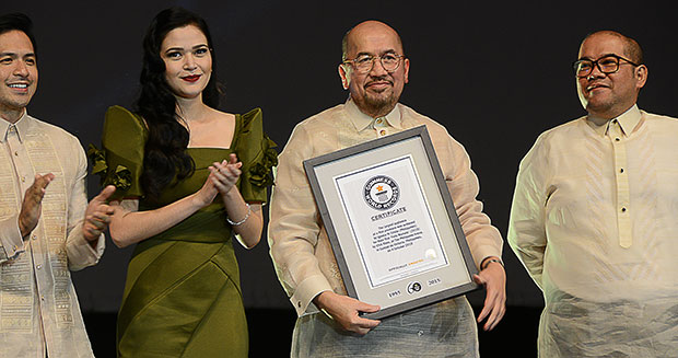 largest-audience-for-a-film-premiere-certificate